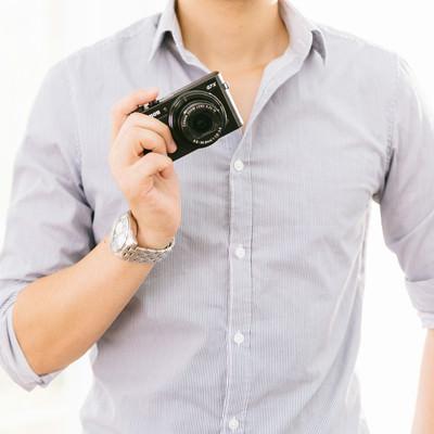 「新しく買ったコンデジで撮影しちゃうぞ!(週末父さん)」の写真素材