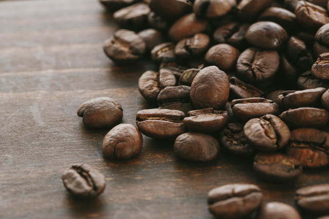 焙煎された珈琲豆の写真