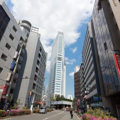 「代々木駅前の建物」の写真素材