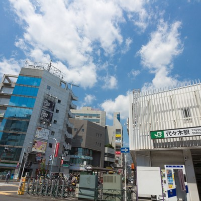 JR山手線代々木駅前の写真