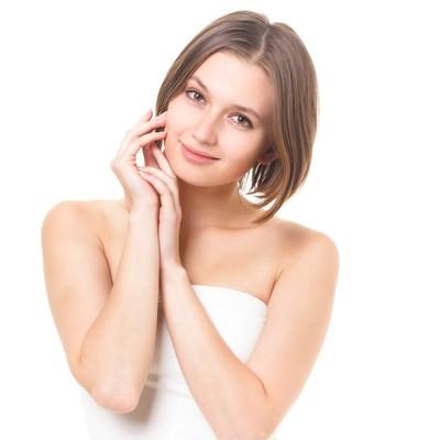 微笑む女性(ボディケア)の写真