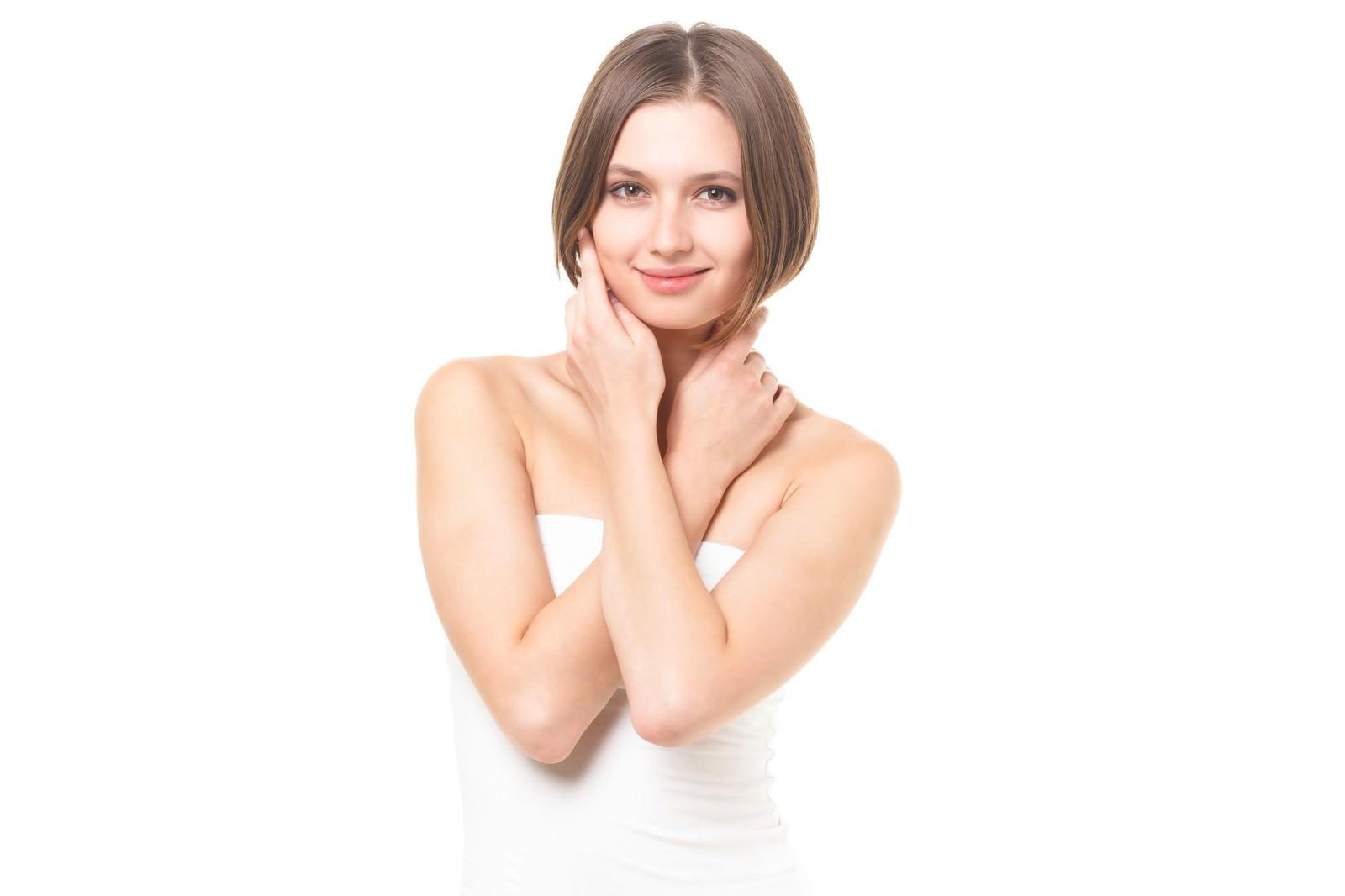 「健康な肌を大切にする女性(エステ・美容)」の写真[モデル:モデルファクトリー]