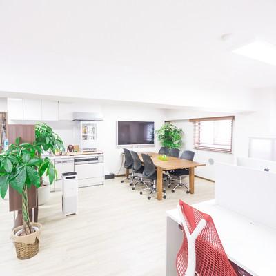 「清潔感のあるオフィス」の写真素材