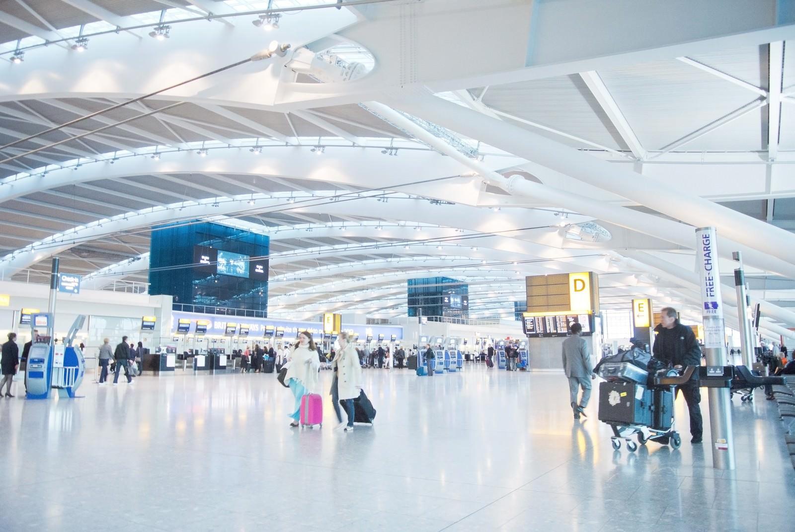 「ヒースロー空港のロビーヒースロー空港のロビー」のフリー写真素材