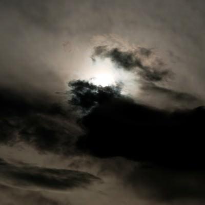 「不吉な雲行き」の写真素材