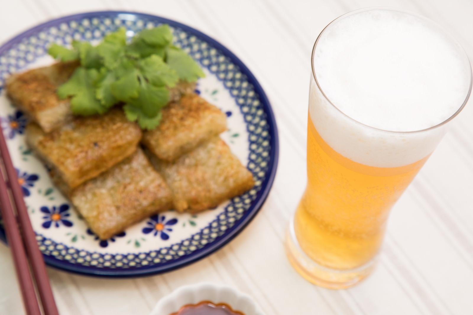 「ビールとよく合う大根もちビールとよく合う大根もち」のフリー写真素材を拡大