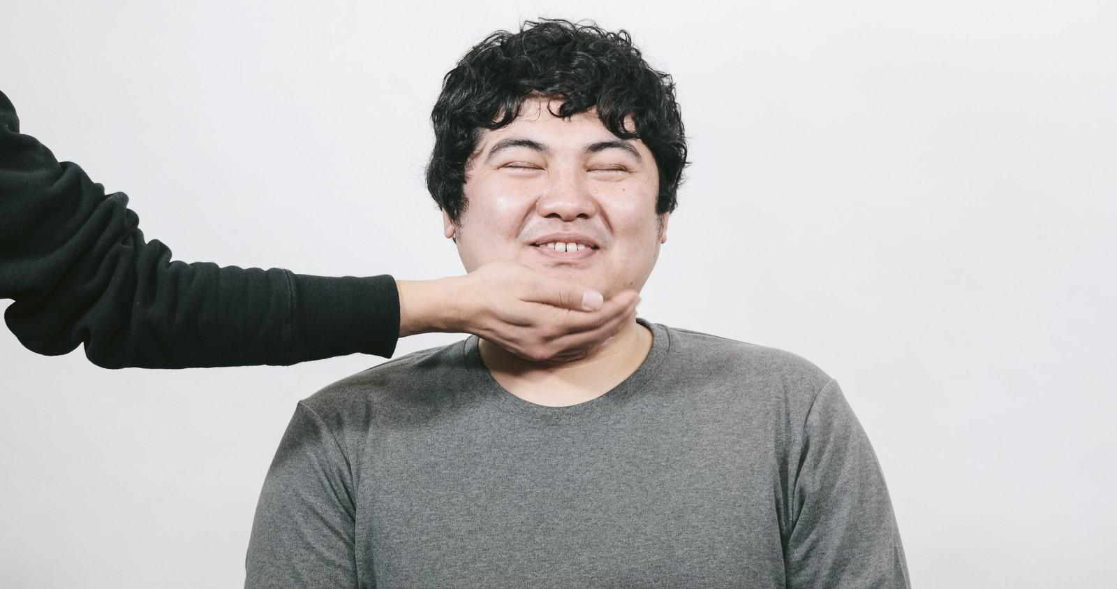 「タプタプスマイル」の写真[モデル:段田隼人]