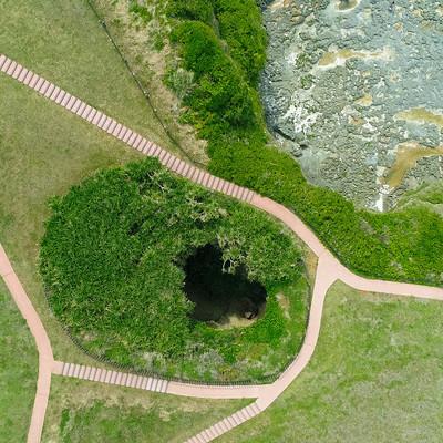 犬の門蓋海岸の洞窟(上空からはハート型に見える)の写真