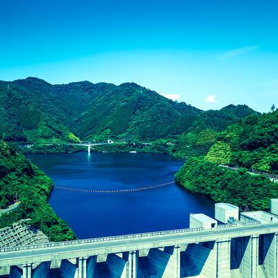 「奥津湖と苫田ダム(岡山県鏡野町)」の写真素材
