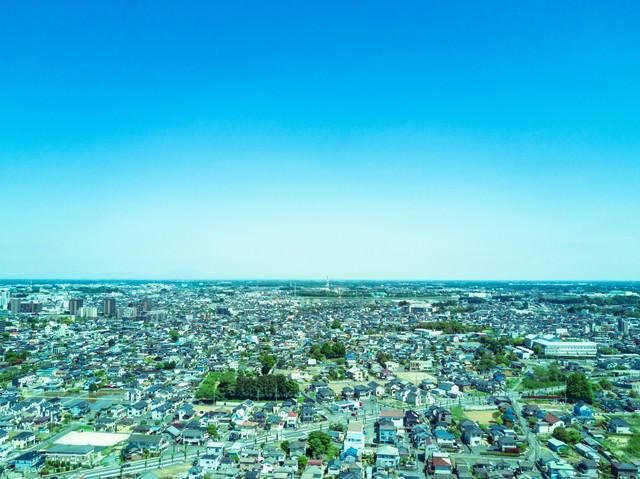 古河市ドローン練習場上空からの街並みの写真