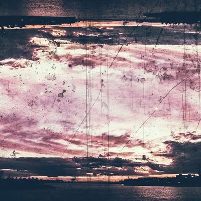 日が落ちることのない夕暮れの写真