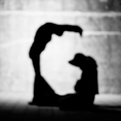「「G」のアルファベット(人文字)」の写真素材