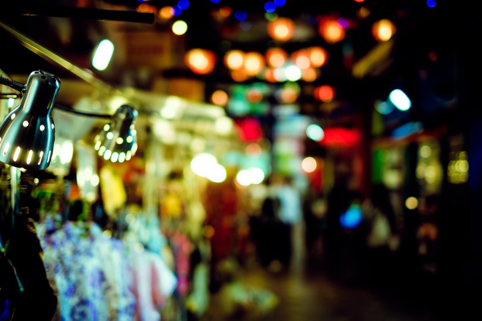 「眠らない路地裏の明かり眠らない路地裏の明かり」のフリー写真素材を拡大