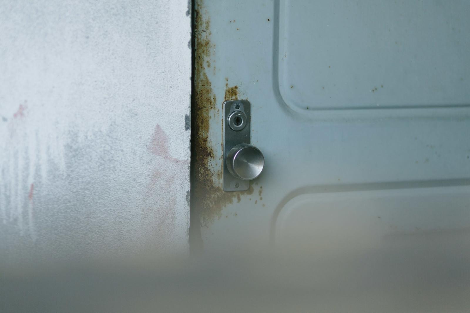 「開かない扉開かない扉」のフリー写真素材を拡大