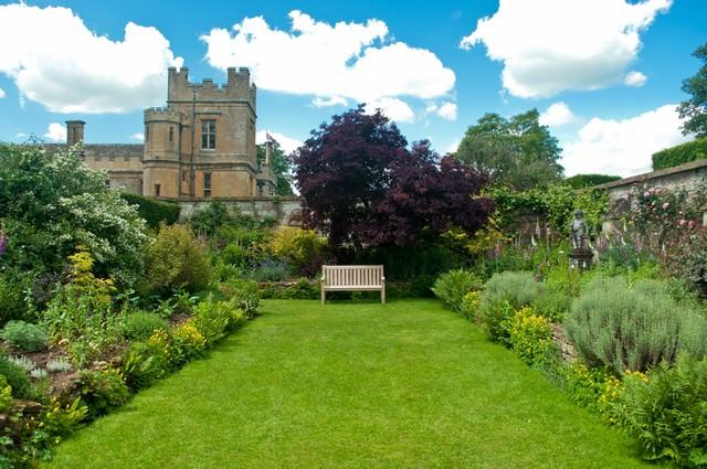 スードリー城の庭園の写真