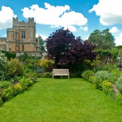 「スードリー城の庭園」の写真素材