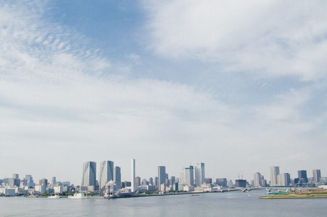 レインボーブリッジからの東京の町並みの写真