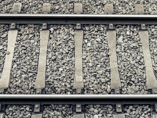 駅の線路の写真