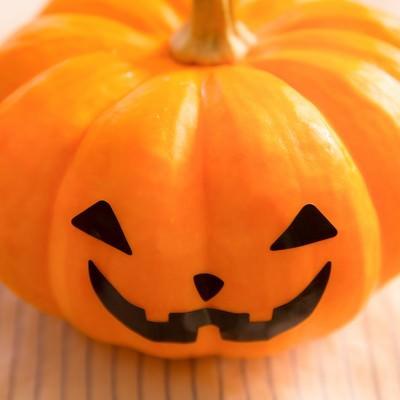 「かぼちゃのお化け」の写真素材