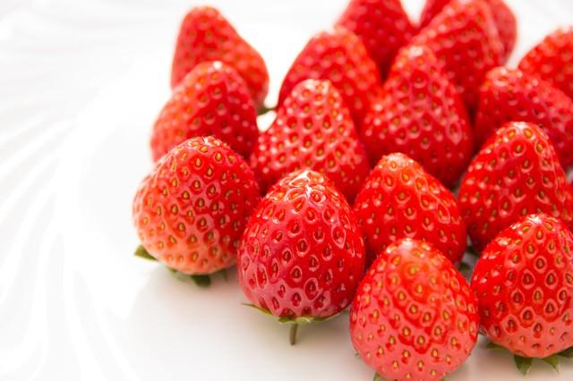 フレッシュな苺の写真