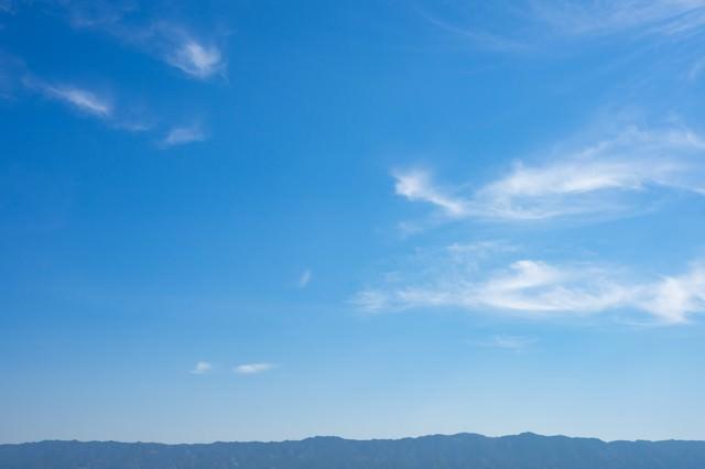 晴れのち山の写真