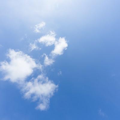 「青い空と雲」の写真素材