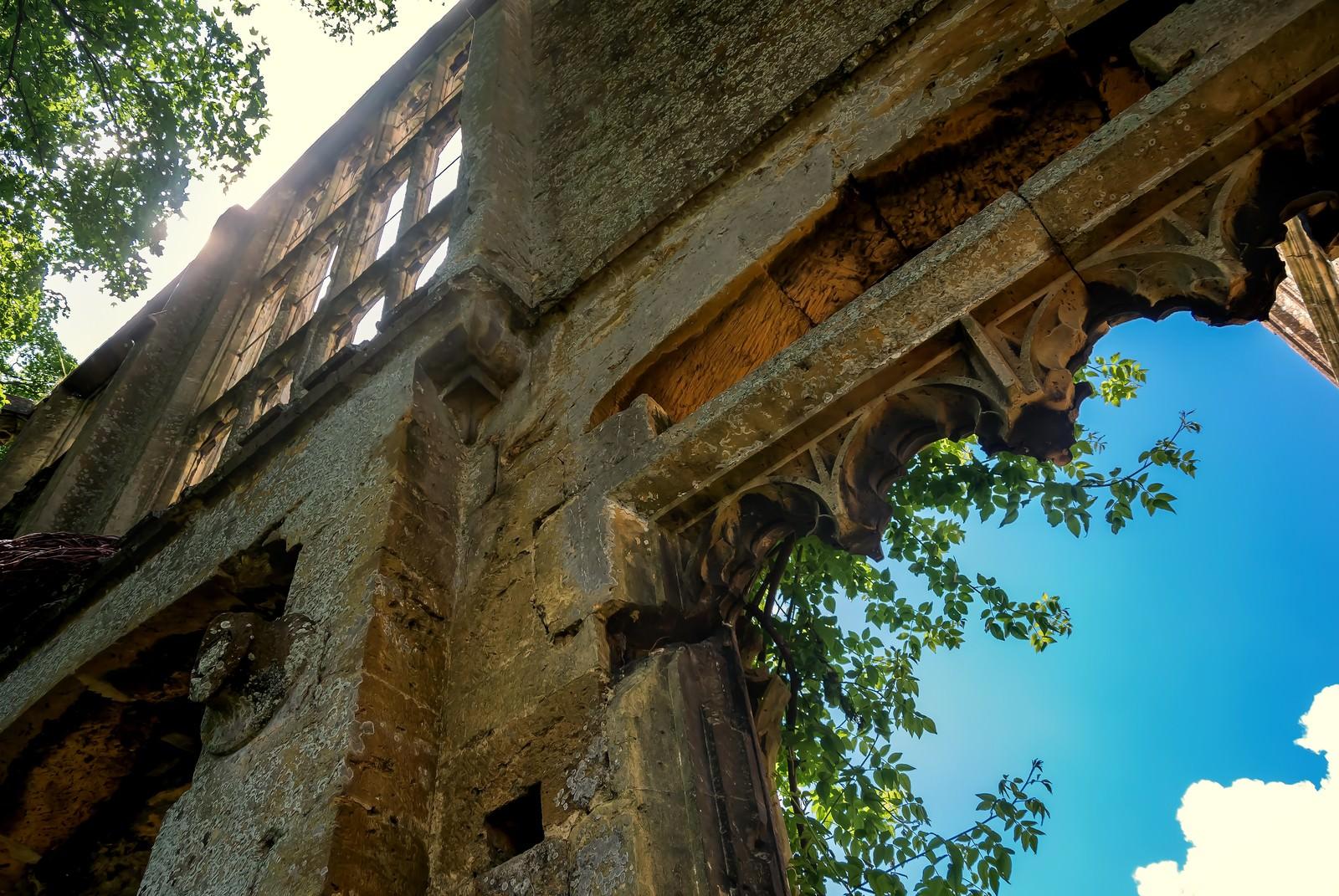 「スードリー城の朽ちた城壁」の写真