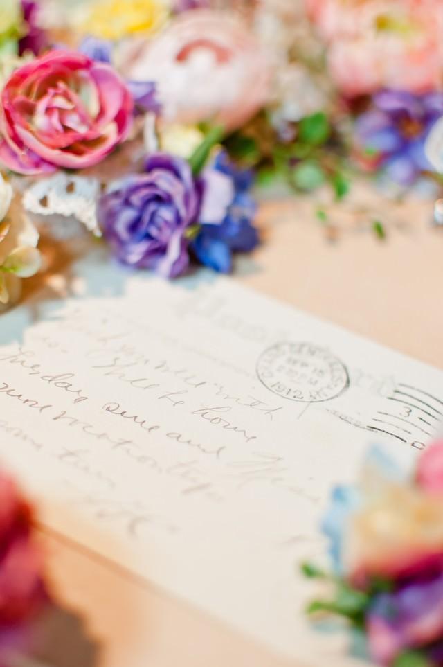 花と手紙の写真
