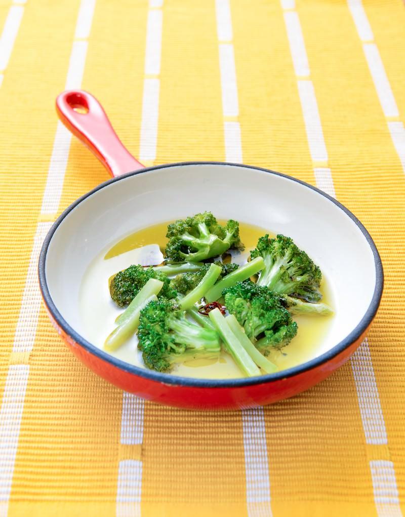 「ブロッコリーのオイル煮」の写真