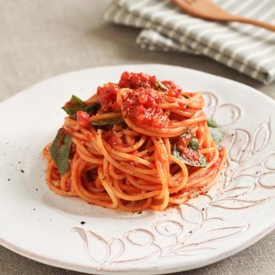「トマトソースパスタ」の写真素材
