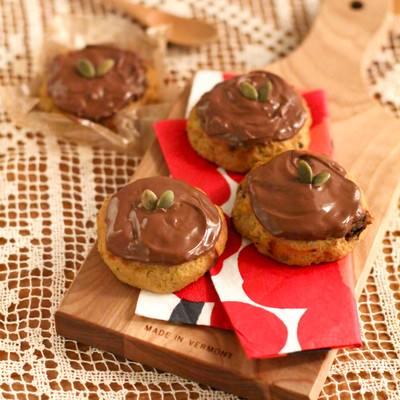 「チョコかけクッキー」の写真素材