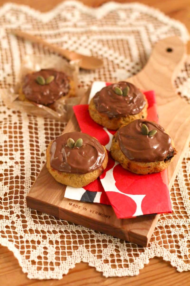 「チョコかけクッキーチョコかけクッキー」のフリー写真素材を拡大