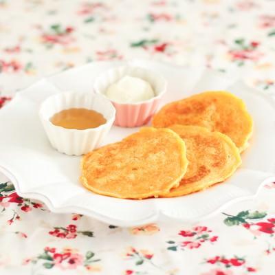 「プチパンケーキ」の写真素材