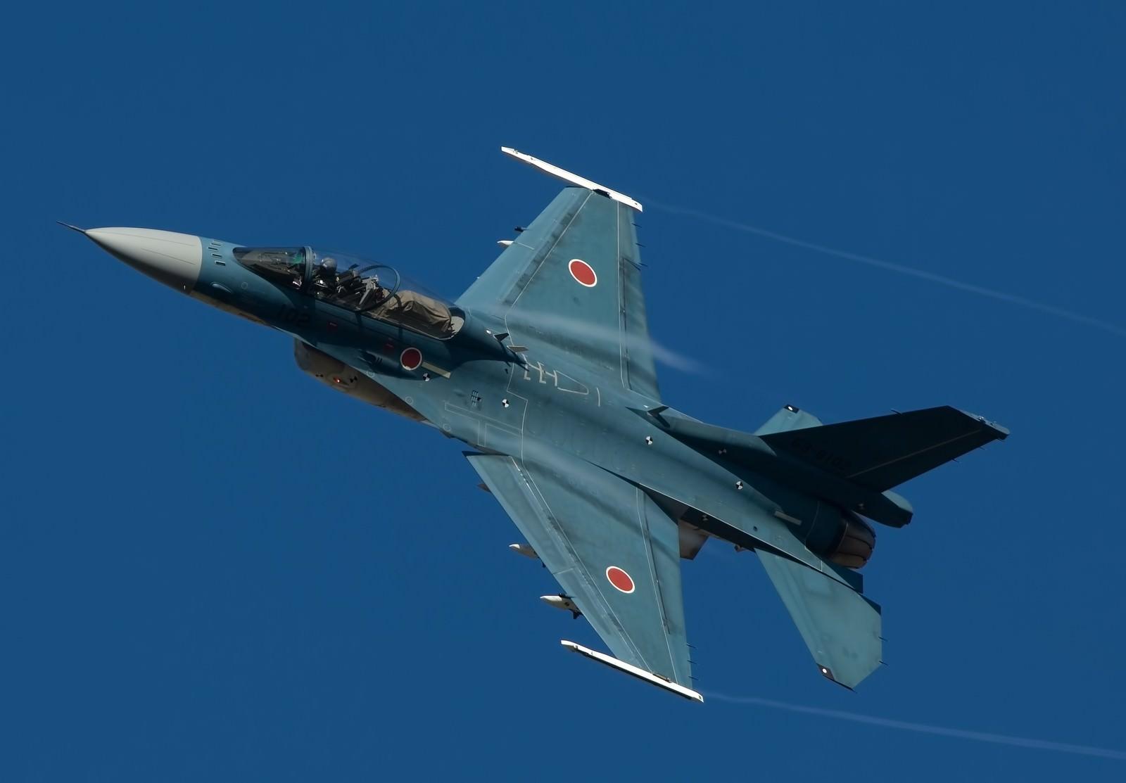 「ADTW F-2B戦闘機」の写真