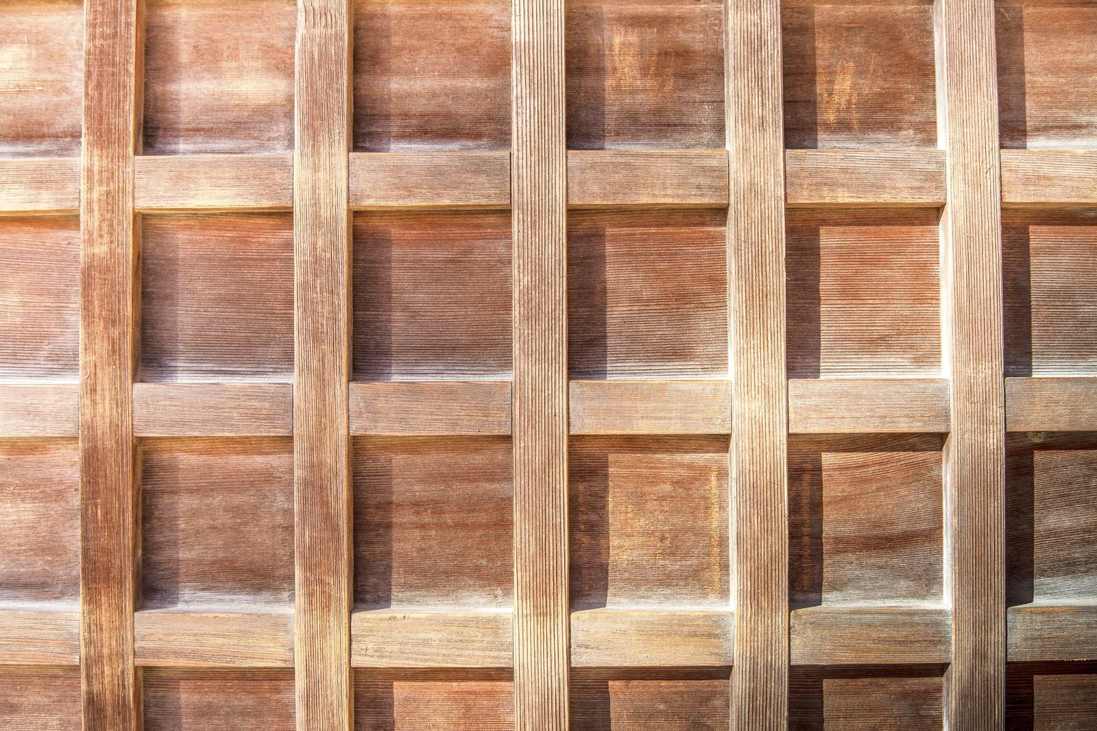 「格子状の木の板(テクスチャー)」の写真