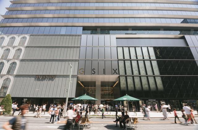 銀座エリア最大の商業施設「ギンザシックス」の写真