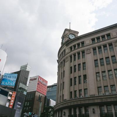 和光の時計台と東京メトロの写真