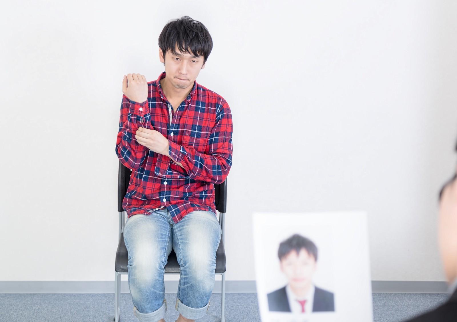「【こ】コンポジと本人が違いすぎる 」の写真[モデル:大川竜弥]