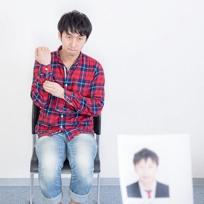 「【こ】コンポジと本人が違いすぎる 」の写真素材
