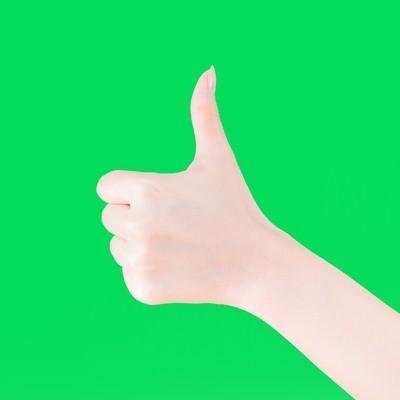 「いいね!する手(グリーンバック)」の写真素材