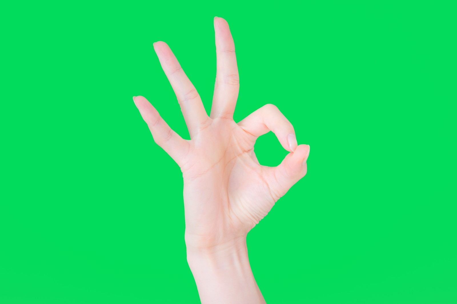 「OKと快諾する手(グリーンバック)」の写真[モデル:MOA]