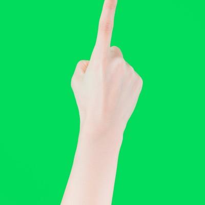 「人差し指でタップする(グリーンバック)」の写真素材