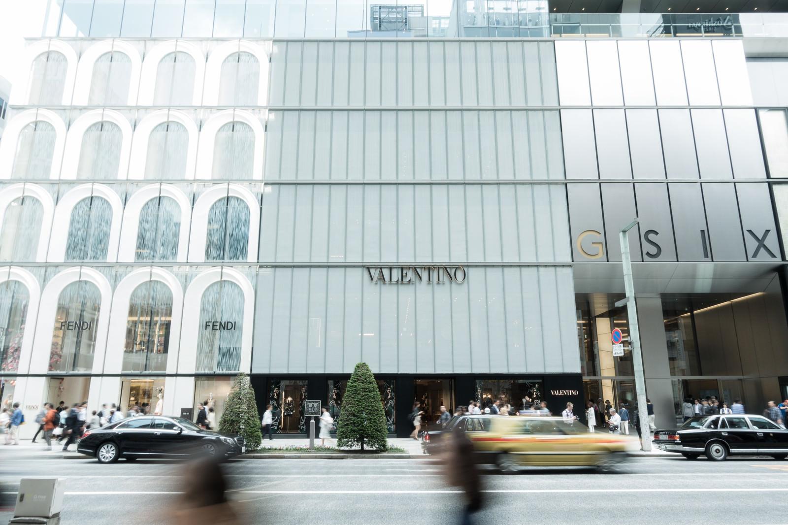 「銀座にある大型商業施GINZA SIX銀座にある大型商業施GINZA SIX」のフリー写真素材を拡大