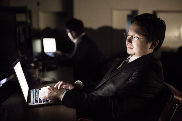 オフィスが手狭過ぎて電源が足りなく、頻繁にブレーカーが落ちるの写真