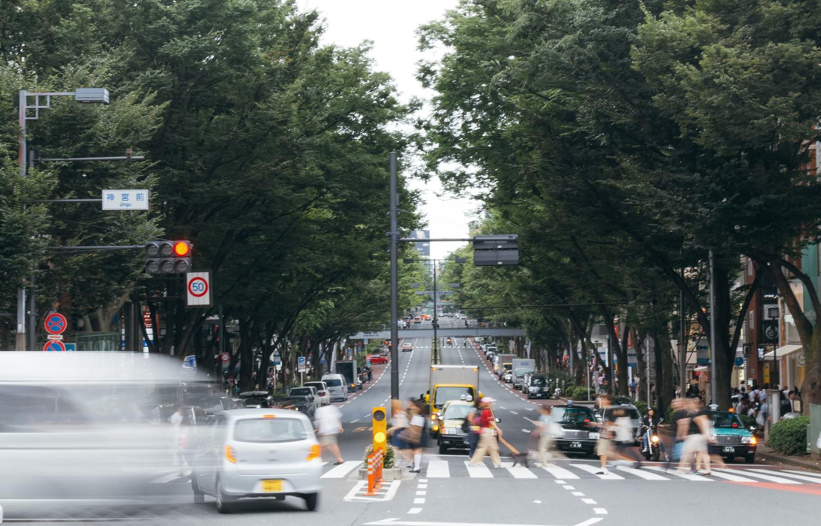 「神宮前交差点神宮前交差点」のフリー写真素材を拡大