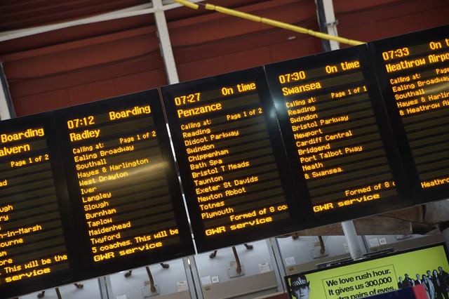ロンドンの列車案内の写真