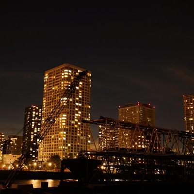 「夜の港区のビル」の写真素材
