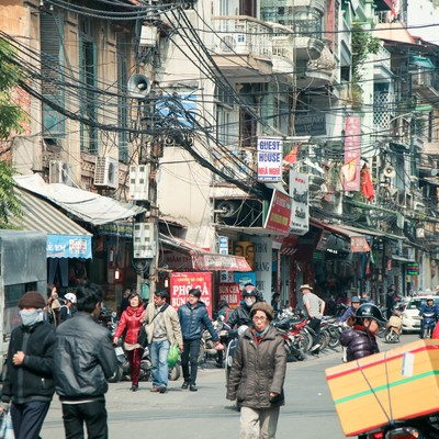 「ハノイ市街の通り」の写真素材