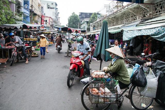 ベトナムホーチミンのマーケットの風景の写真