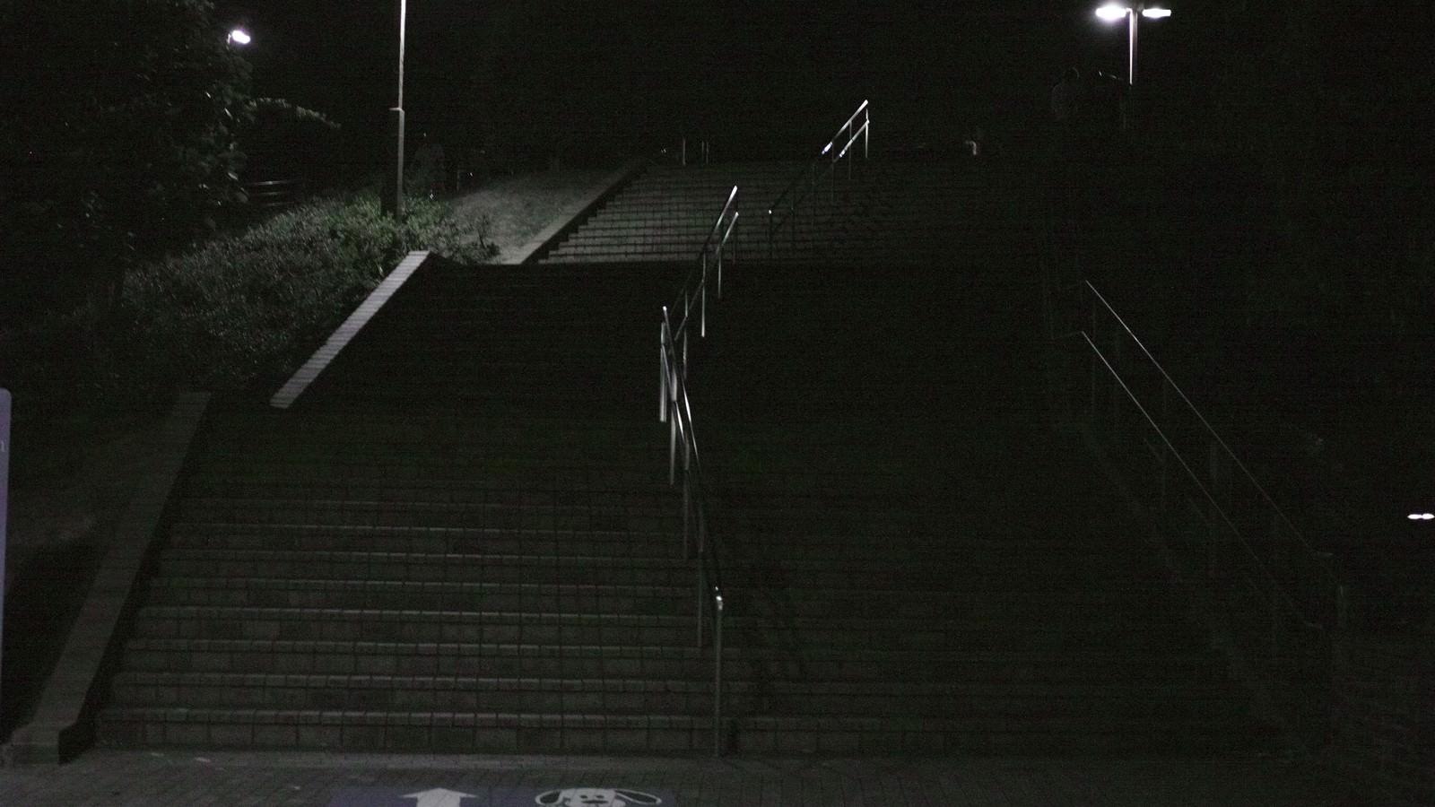 「公園の階段(深夜)」の写真